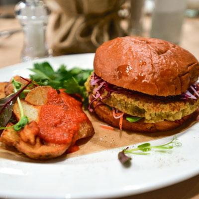 Постные рецепты: овощной суп, котлеты и даже бургер - «Дом»