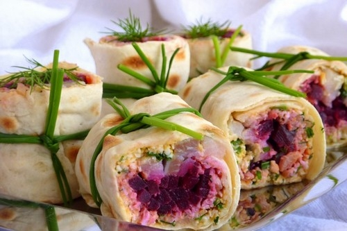 Сельдь с овощами в тонком лаваше - «Закуски»