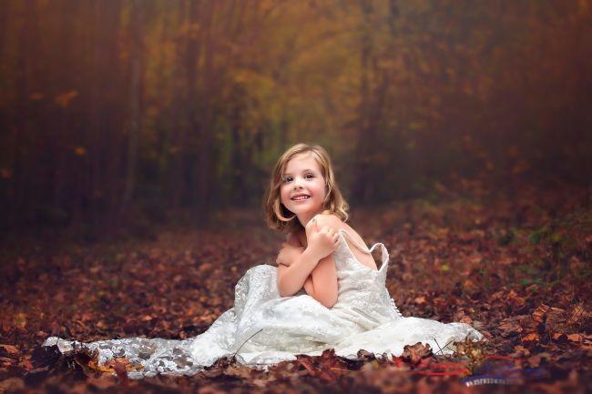 Красивые платья и костюмы: почему же дети отказываются их носить?