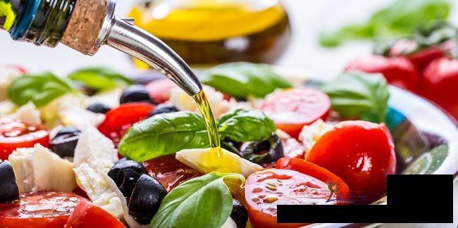 Выбор полезной заправки для салатов