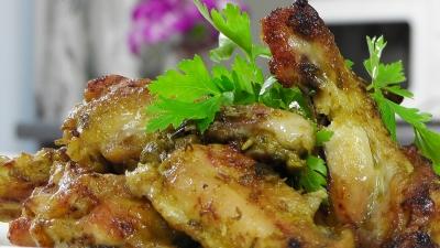 Имбирные куриные крылышки в соусе с зеленым луком - «Видео уроки рецептов»