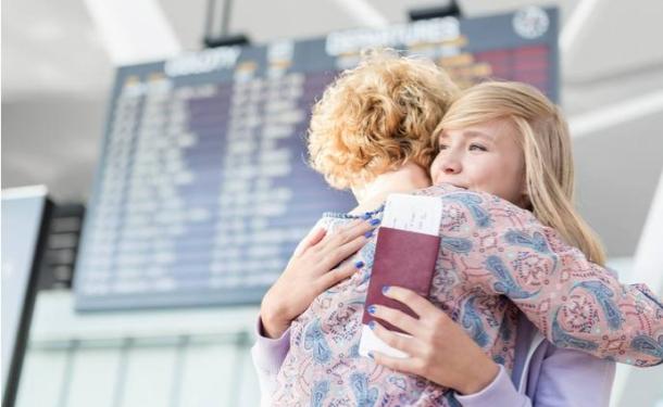 Кабмин изменил правила пересечения границы с детьми