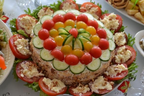 Кабачковый торт с куриным фаршем и помидорами - «Закуски»