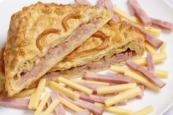Французский закрытый пирог с ветчиной - «Закуски»