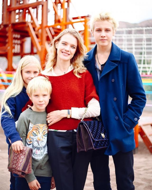 Наталья Водянова призналась, что чуть не потеряла пятого ребенка