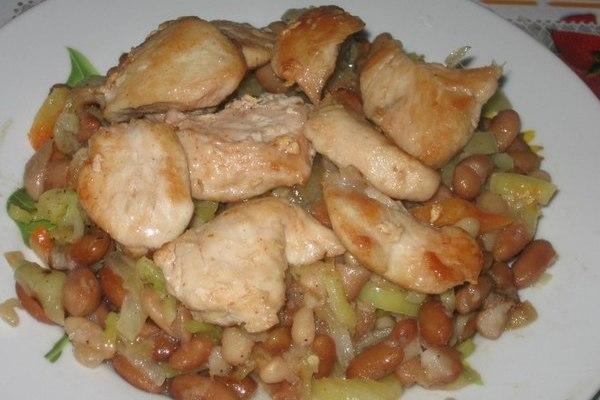 Куриное филе с фасолью и перцем - «Второе блюдо»