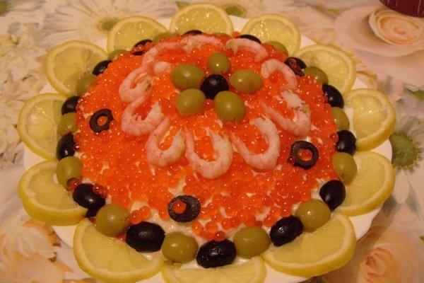 Праздничный салат «Креветки под шубой» - «Закуски»