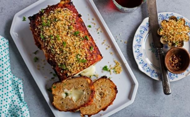 Мясной рулет с начинкой из моцареллы - «Блюда из мяса»