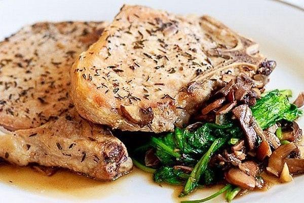 Свинина с рукколойи грибами - «Блюда из мяса»