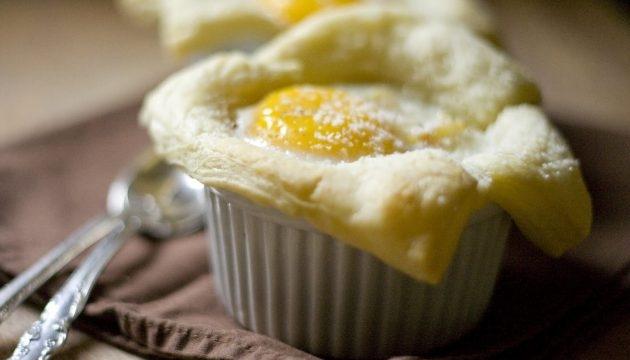 Яйца, запечённые с картофелем - «Закуски»