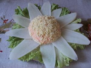 Салат с сыром и дайконом
