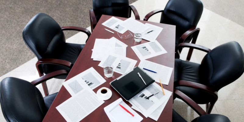 На бизнес давит неопределенность - «Бизнес»