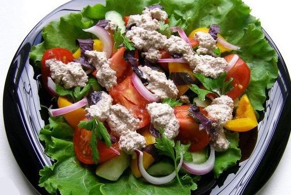 Грузинский салат из свежих овощей - «Закуски»