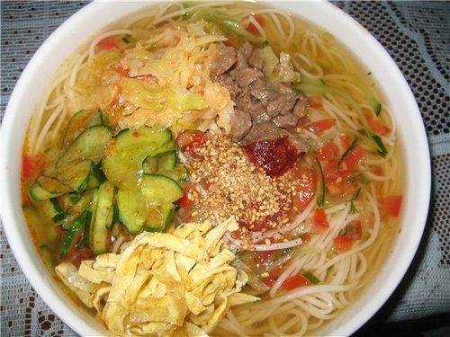 Холодный корейский суп «Кукси» с говядиной - «Первое блюдо»