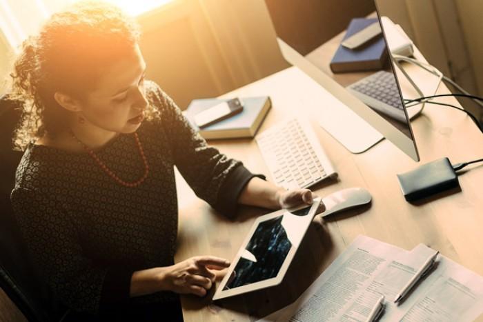 В помощь фрилансеру: как научиться работать дома, не отвлекаясь на бытовые дела - «Бизнес»