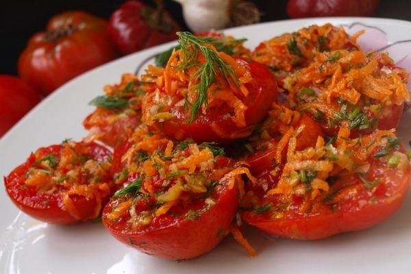 Помидоры по-корейски с морковью и чесноком - «Закуски»