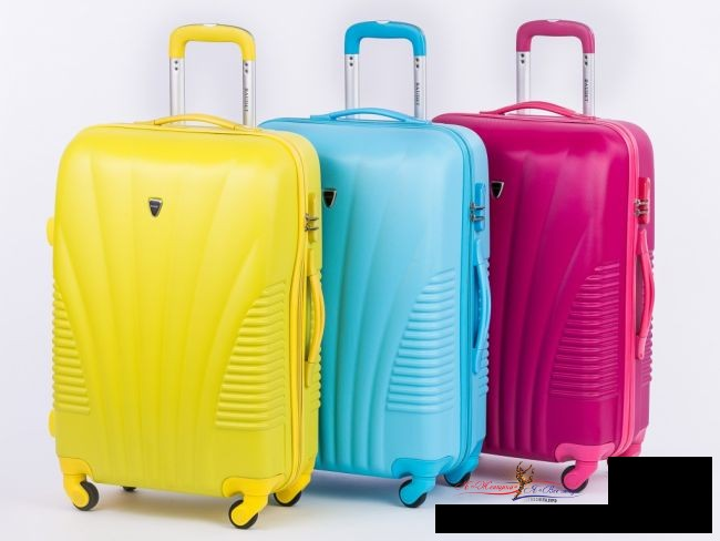 Как определить подходящий размер чемодана при покупке в интернете?