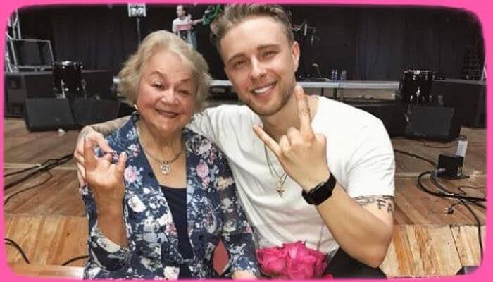 80-летняя бабушка Егора Крида отметила юбилей прыжком с парашютом - «Шоу-Бизнес»