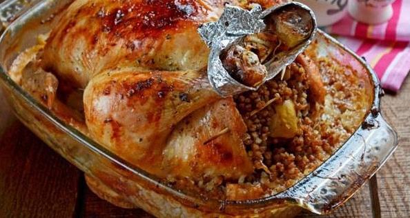 Курица в вине с гречкой и яблоками - «Второе блюдо»