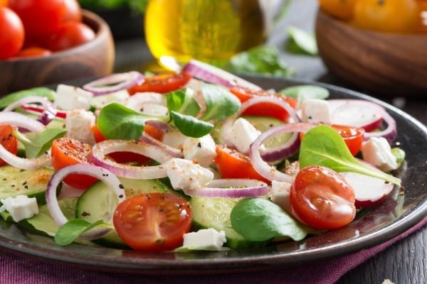 Весенний салат с редисом и фетой - «Закуски»