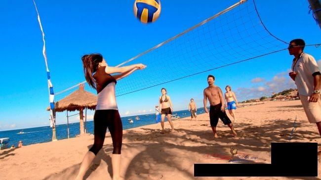 10 интересных мероприятий для сжигания калорий на пляже