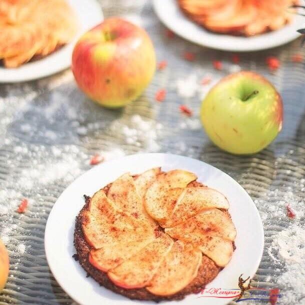 Маша Кравцова: рецепт яблочного тарта без глютена и сахара - «Рецепты»