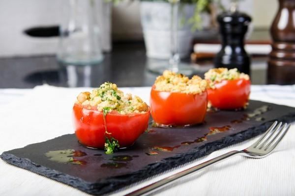Фаршированные помидоры с кускусом - «Закуски»
