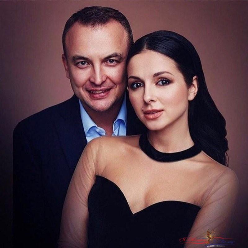"""""""Игорь тебя не украшает"""": 37-летний муж старит Нюшу - «Любовь»"""