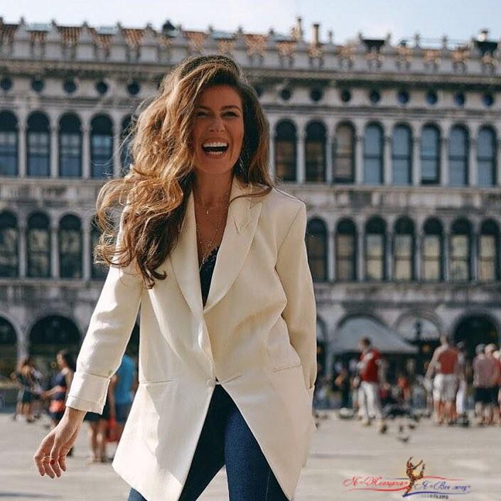 «Тушите пожар»: подписчики Жанны Бадоевой в восторге от её образа - «Красота»