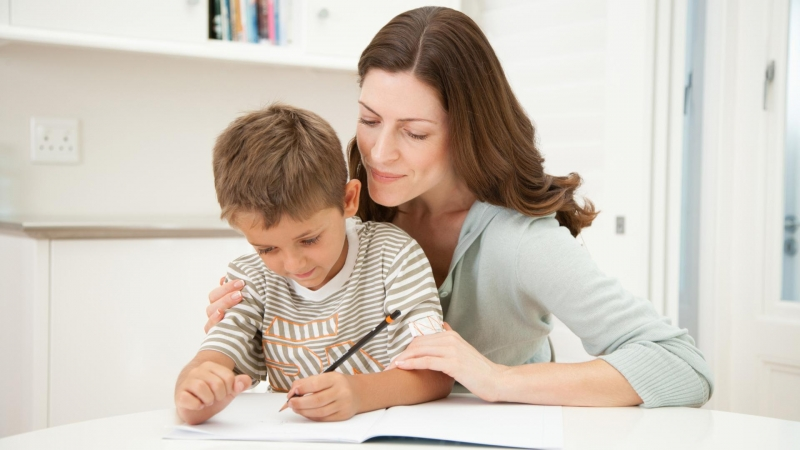 15 вопросов, которые нужно задать ребенку после школы, чтобы он чувствовал любовь и внимание - «Семейные отношения»