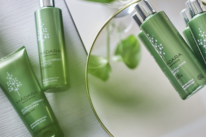 Как сохранить естественную красоту и здоровье волос: 3 проверенных способа - «Уход»