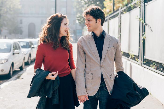 10 причин, почему женщина должна позволить мужчине платить за нее на первом свидании - «Семейные отношения»