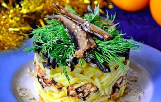 Новогодний салат со шпротами - «Закуски»