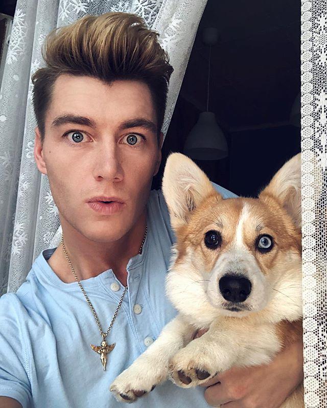 картинки алексея воробьева с собакой кофты коротким