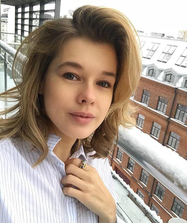 «Хорошо, но сразу стали старше»: Катерина Шпица перекрасилась в шатенку - «Красота»