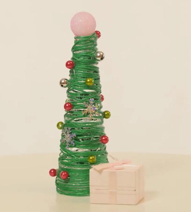 Как сделать новогоднюю елку из подручных средств - «Я и Дом»