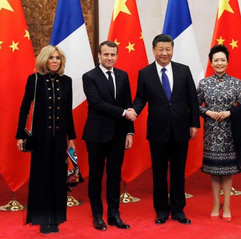«Жена, как мать»: образы Брижит Макрон в Китае обсуждают в сети - «Психология»