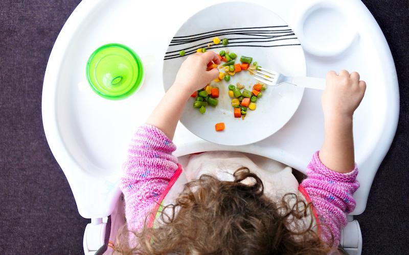 Как накормить ребенка без слез: 5 советов - «Я и Дети»