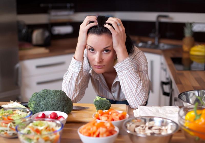 Как не переедать за праздничным столом? - «Красота и здоровье»