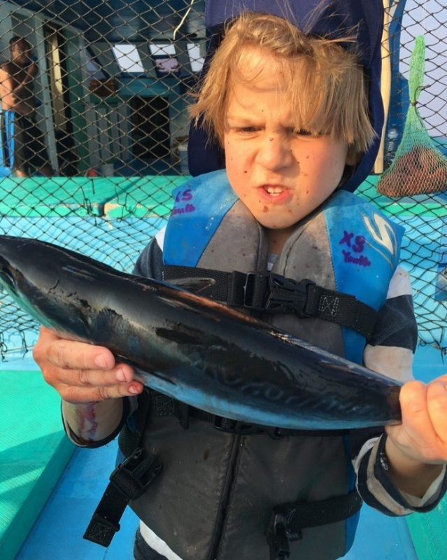 «Мальчишеские развлечения»: Виктор Дробыш учит сына рыбачить - «Я и Дети»