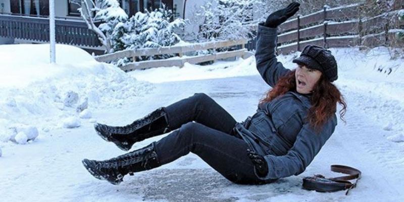 Как уберечься от зимних травм - «Здоровье»
