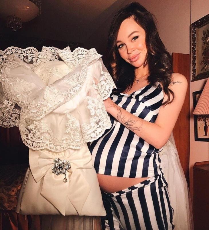 Анастасия Лисова попросила подписчиц не рассказывать о сложных родах - «Беременность и роды»