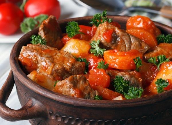 Венгерский пёркёльт: традиционная свинина - «Второе блюдо»