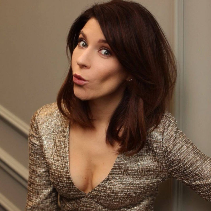 «Не сотвори себе кумира»: Екатерина Волкова показала автопортрет на шкафу - «Я и Дом»