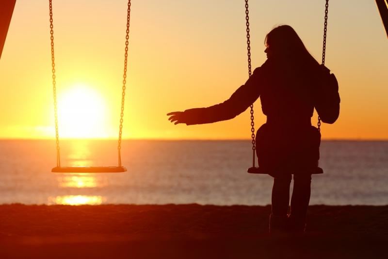 Как провести 14 февраля одинокой девушке, чтобы встретить свою любовь: 4 совета от психолога - «Семейные отношения»