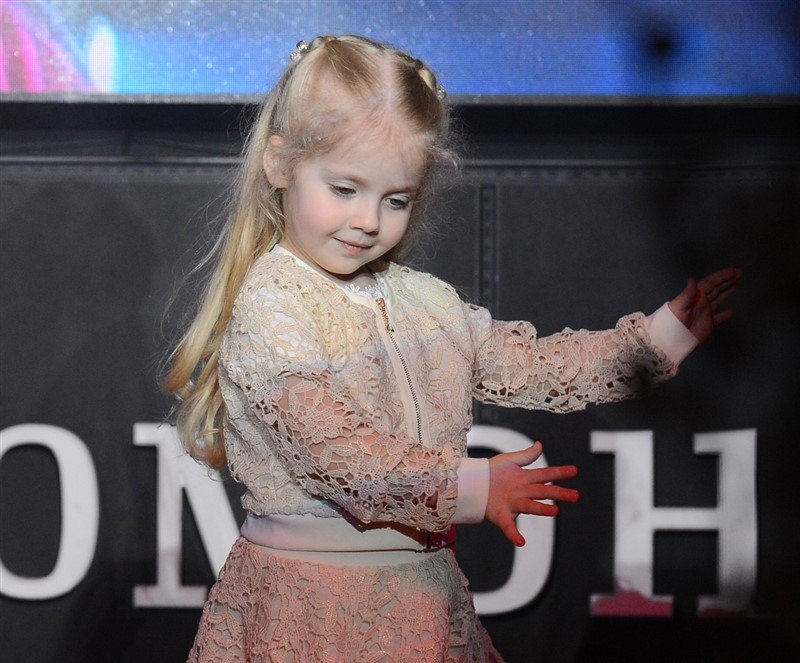 «Подхалимаж»: в Сети возмущены лестью Виктории Бони в адрес Лизы Галкиной - «Я и Дети»