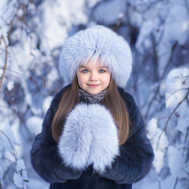 «Зачем ребенку норковая шуба?»: в Сети обсудили одежду Насти Князевой - «Я и Дети»