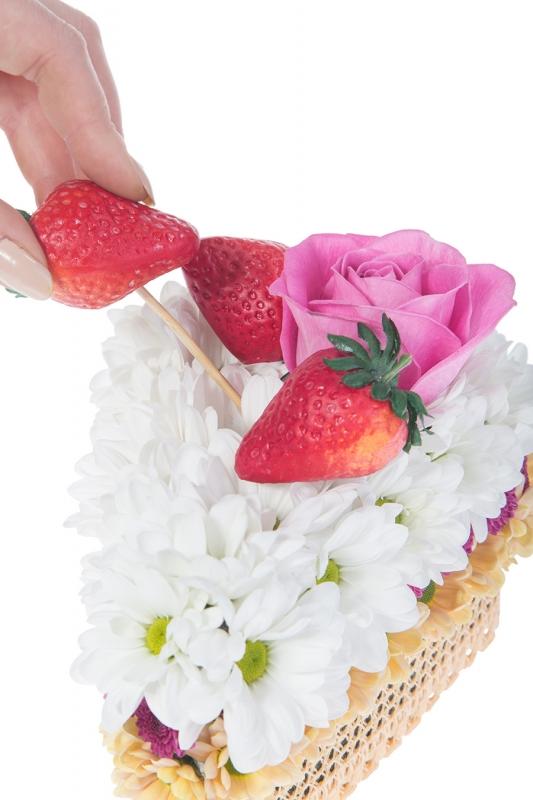 Дети маме на 8 марта: торт из цветов. Вместе с папой, конечно - «Досуг и хобби»