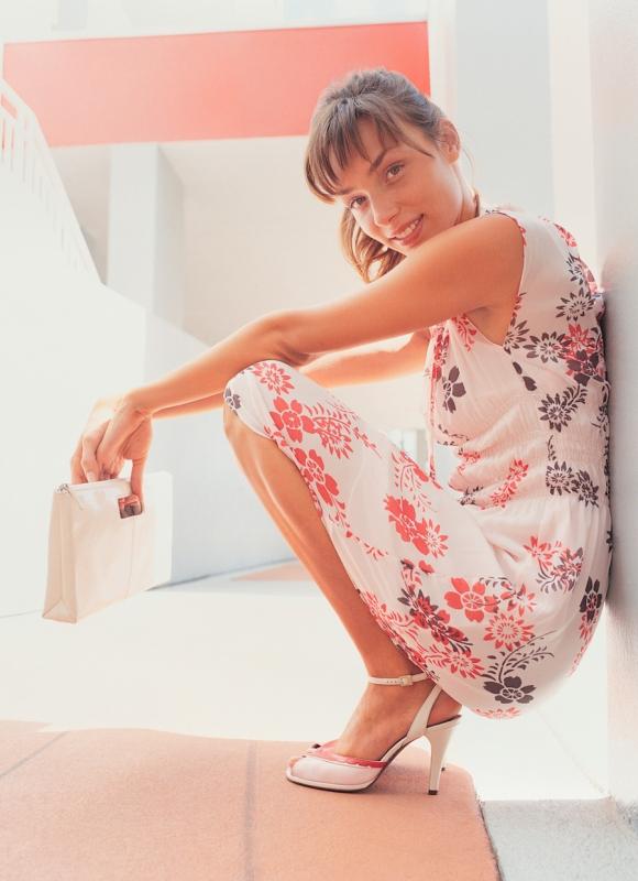 Как скрыть живот: фасоны платьев и упражнения для талии - «Красота и здоровье»