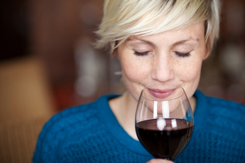 Бокал вина вечером – алкоголизм или нет? 4 мифа об алкоголе - «Красота и здоровье»